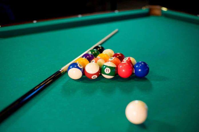 play pool on imessage