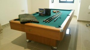 How To Chalk A Pool Cue Stick